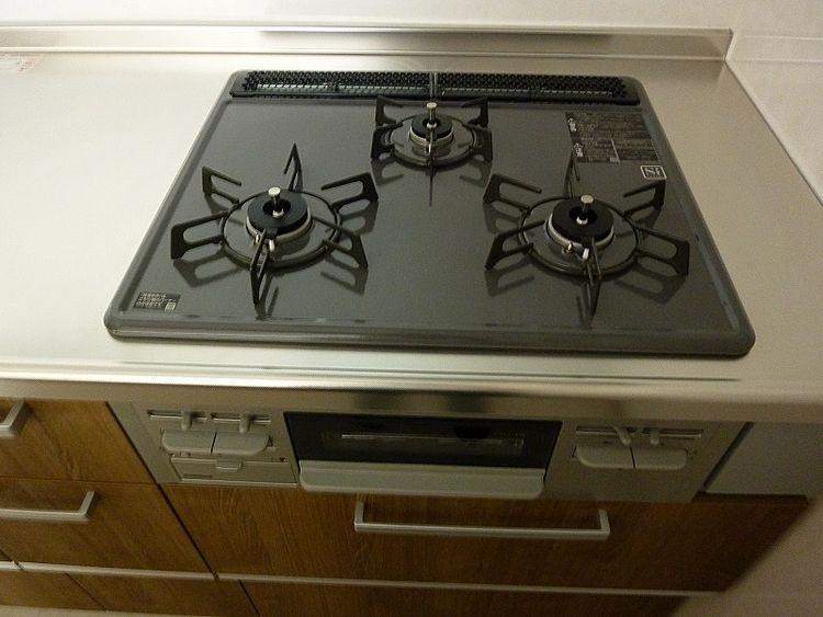 浅草ロイヤルマンション305のキッチンです。