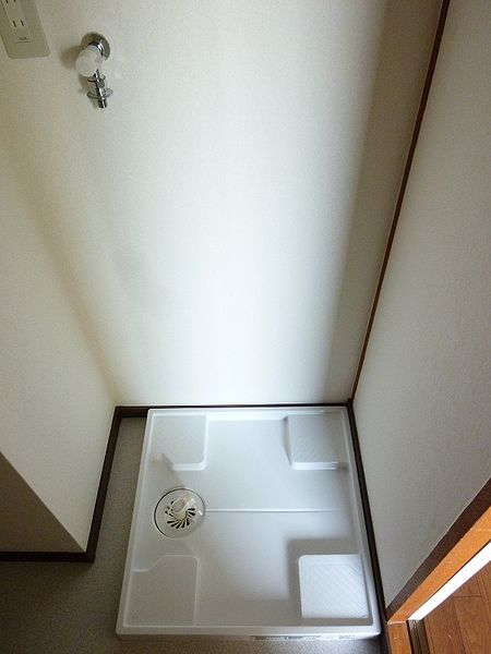 浅草ロイヤルマンション305の防水パンです。