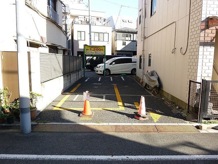 台東区入谷2丁目、第二塩田車庫の写真です。