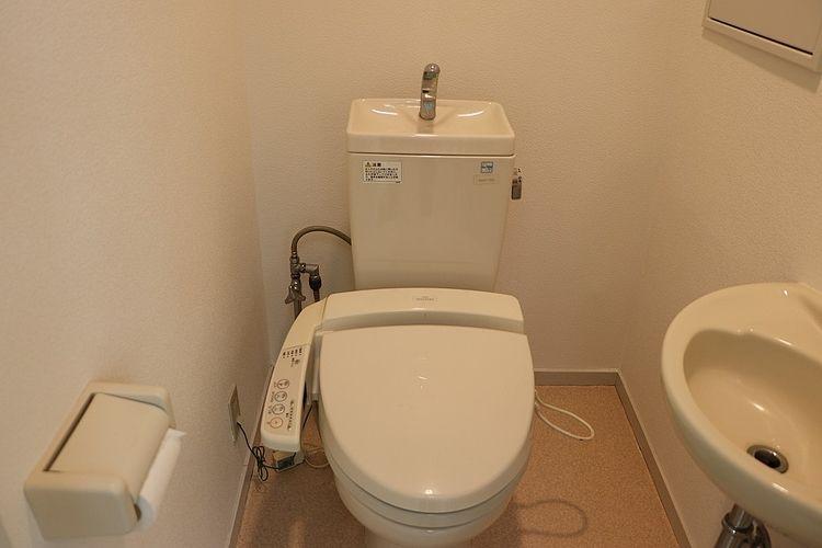 温水洗浄便座、洗面付き