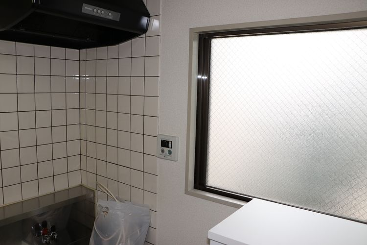 廊下側にも採光窓あり