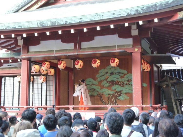 三社祭巫女の舞