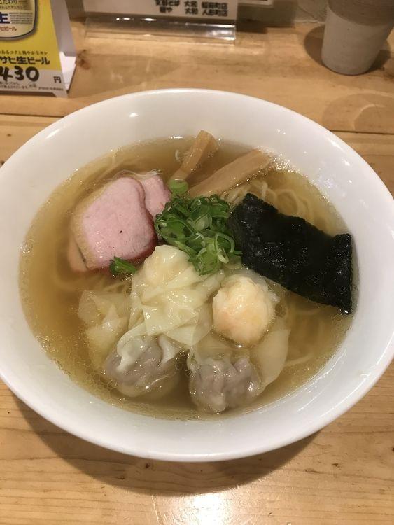 台東区東上野6丁目にある、志那そば大和のワンタン麺の写真です。