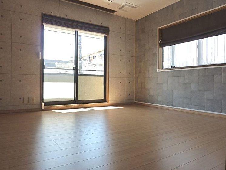 床壁天井は、収納内も含め張替え。