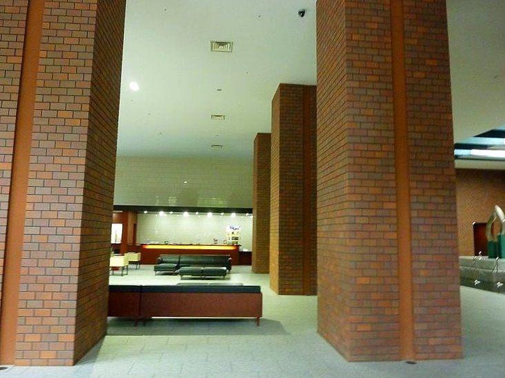 台東区西浅草3丁目にある浅草タワーの談話スペースです。