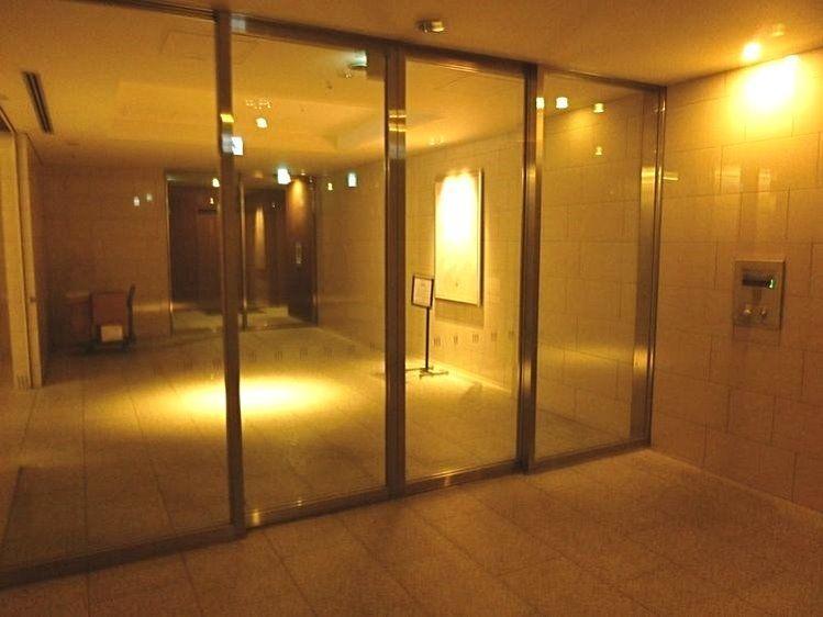 台東区西浅草3丁目にある浅草タワーのエレベーターホール側オートロックです。