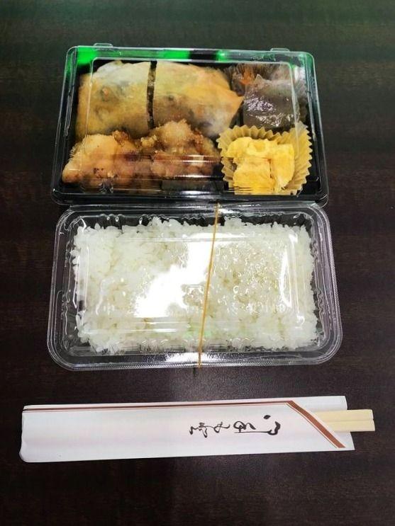 北上野1丁目にある鳥千のお弁当です。