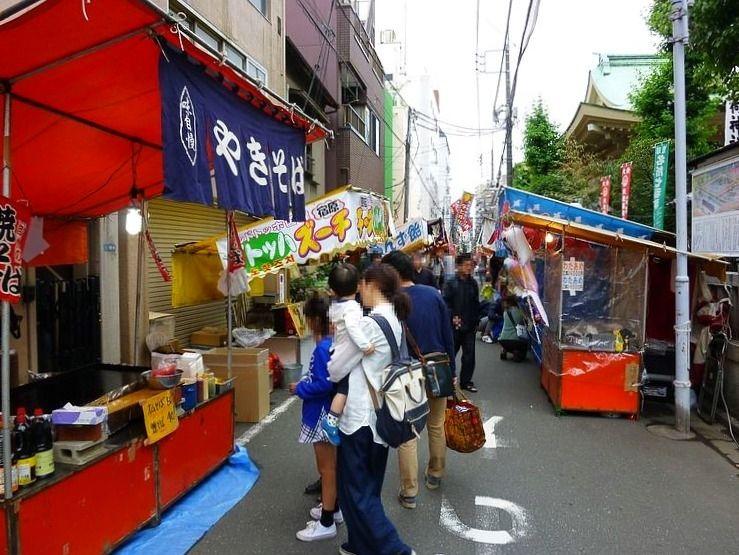 矢先稲荷神社例大祭の露店です。
