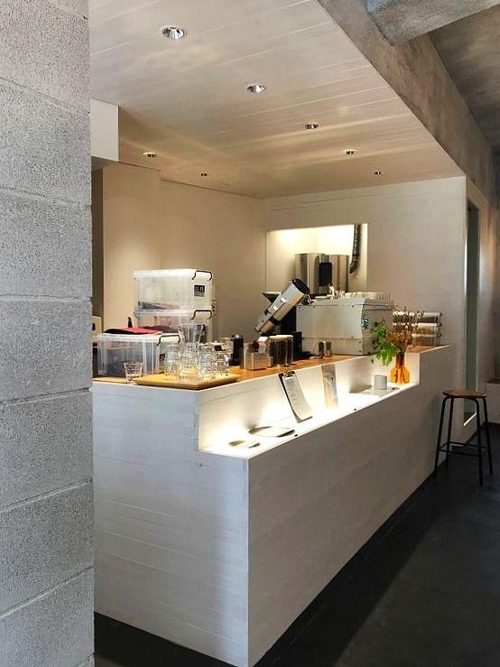 台東区寿1丁目にあるLUCENT COFFEEの店内写真です。