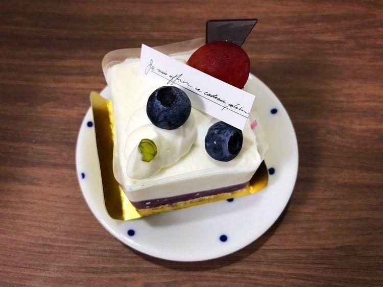 台東区元浅草1丁目にある、まるずcakeのケーキです。