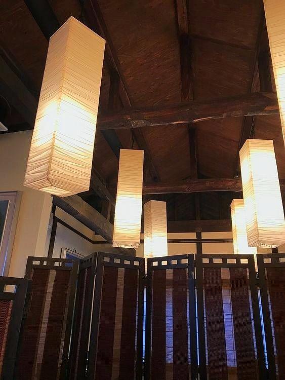 台東区谷中にある吉里の店内です。