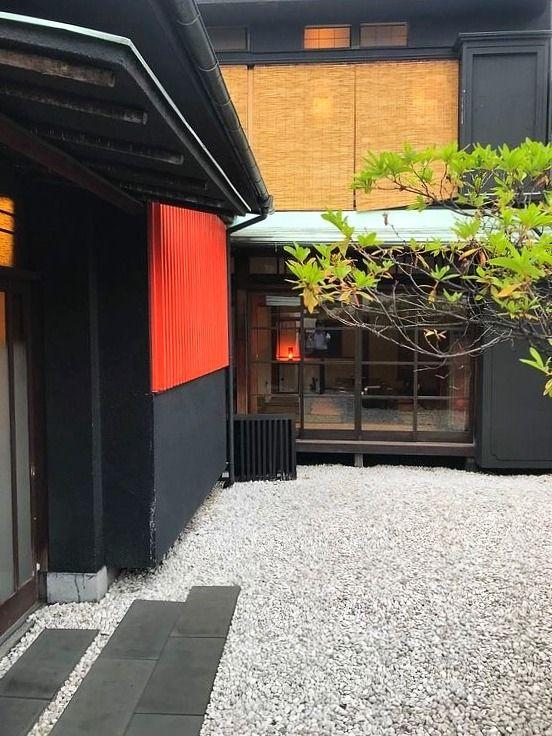 台東区谷中にある吉里の中庭です。