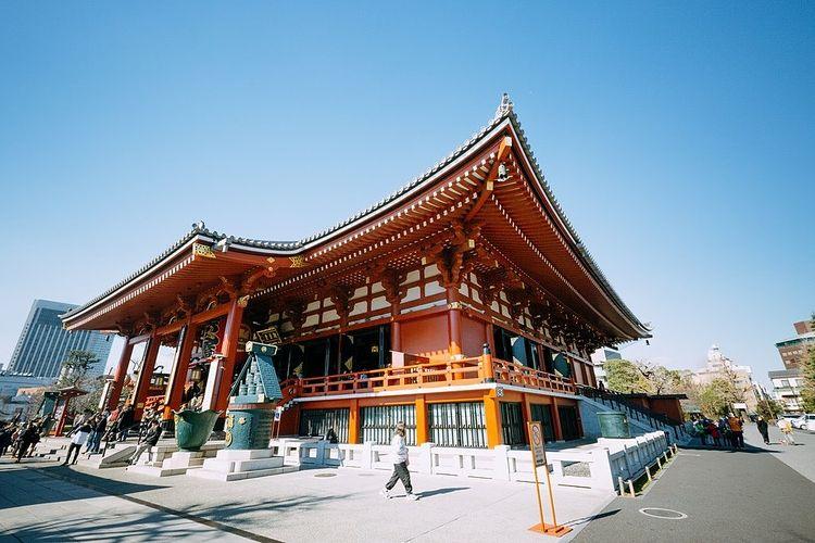 晴天時の浅草寺