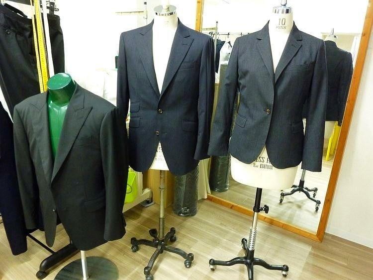 台東区蔵前1丁目にあるカラーのオーダースーツです。
