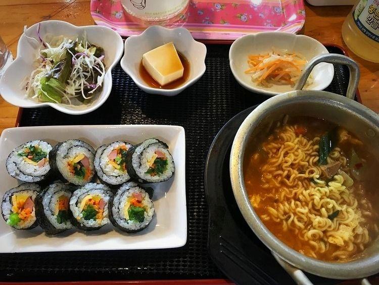 台東区東上野5丁目にある韓国料理店、タルグジのランチ写真です。