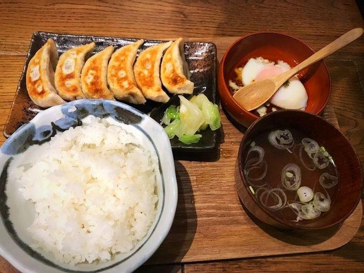 台東区東上野3丁目にあるダンダダン酒場の餃子ライスです。