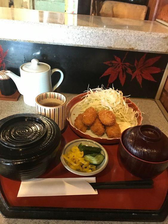 台東区蔵前3丁目にある天ぷら屋さん、高尾のカキフライ定食です。