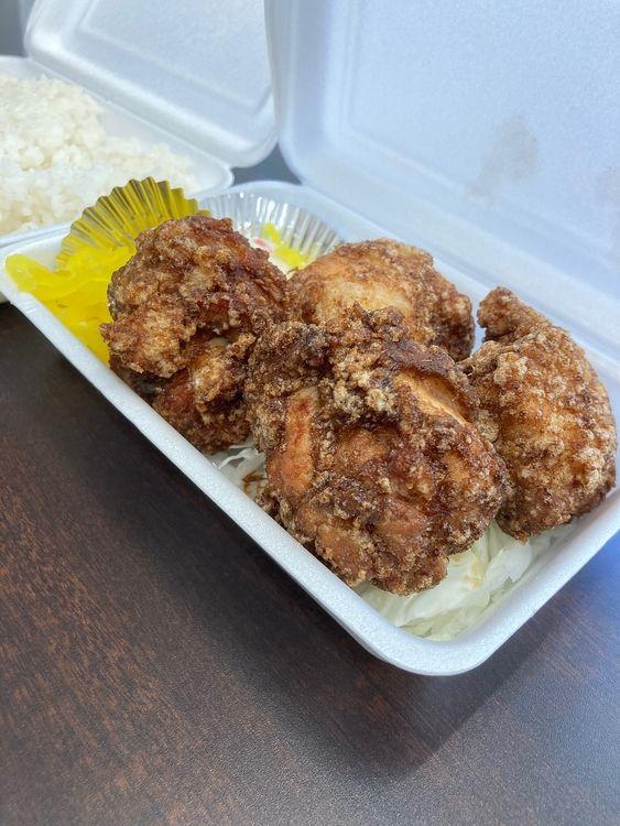 台東区台東4丁目にある唐揚げ専門店、鶏笑の唐揚げ弁当です。