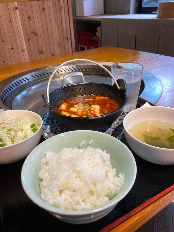 台東区元浅草2丁目にある鉄釜家の麻婆豆腐定食です。
