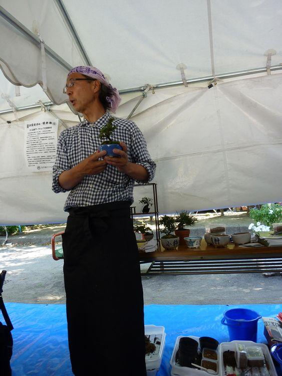 お富士さんの植木市、ワークショップの写真です。