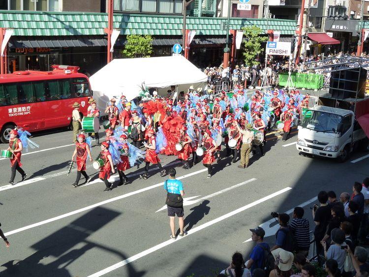 浅草サンバカーニバルの写真です。
