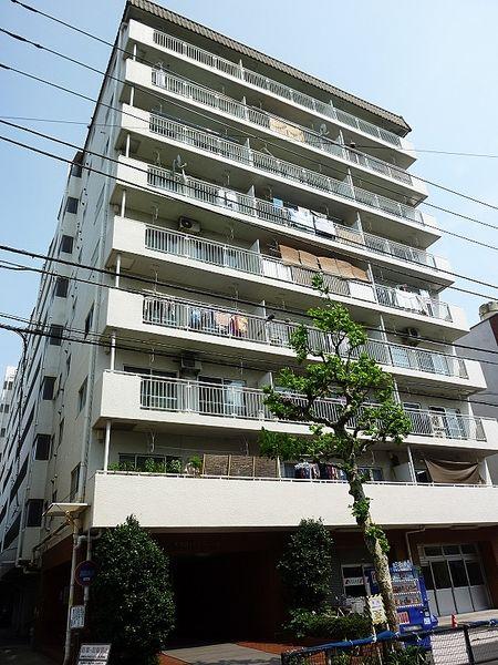 浅草ロイヤルマンションの外観写真です。
