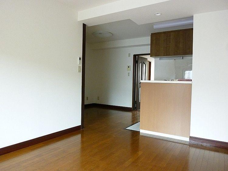 浅草ロイヤルマンション室内、LDK部分です。