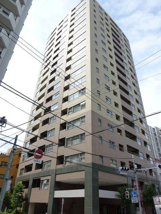 上野アインスタワーの外観写真です。