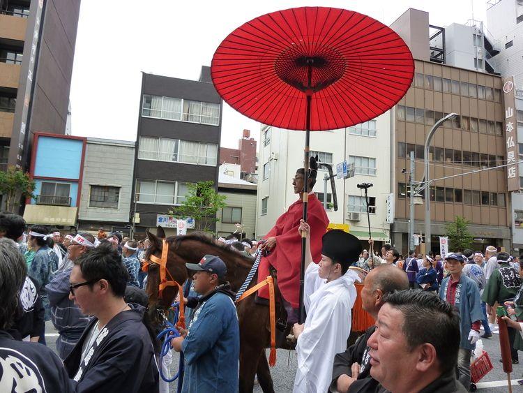 下谷神社大祭3日目馬に乗った宮司