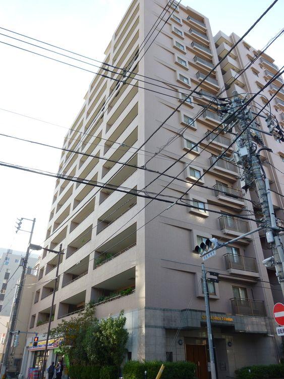 クリオ浅草弐番館の外観写真です。